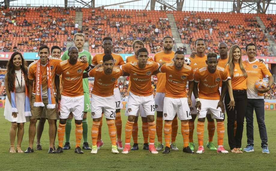 Miguel Almiron scored three goals and expansion Atlanta United beat the Houston Dynamo 4-1 on Saturday night. Photo: Yi-Chin Lee/Houston Chronicle