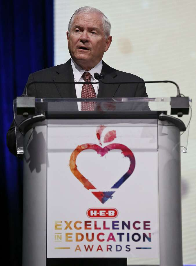Former United States Secretary of Defense Robert Gates speaks during the 2017 HEB Excellence in Education Awards gala held Sunday May 7, 2017 at the Hilton Austin Hotel in Austin, Tx. Photo: Edward A. Ornelas, Staff / San Antonio Express-News / © 2017 San Antonio Express-News