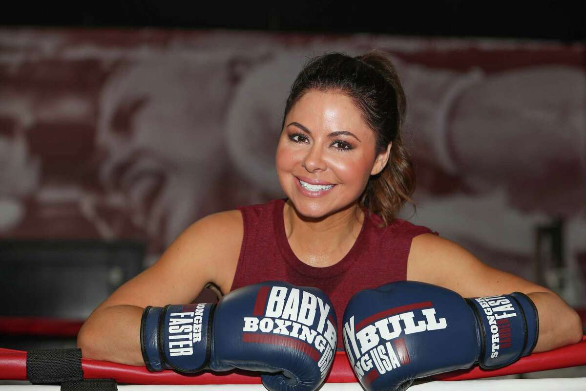 KPRC Channel 2's Jennifer Reyna, who recently returned to working out after taking a six year leave works out at Baby Bull Boxing with trainer Brian Caldwell.Thursday, April 13, 2017, in Houston. ( Steve Gonzales / Houston Chronicle )