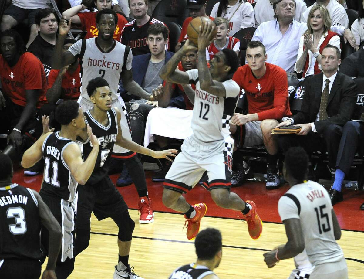 Houston Rockets guard Lou Williams (12) shoots from mid-range during the second half of the NBA Western Conference semifinals Game 4 Sunday, May 7, 2017, in Houston. ( Yi-Chin Lee / Houston Chronicle )