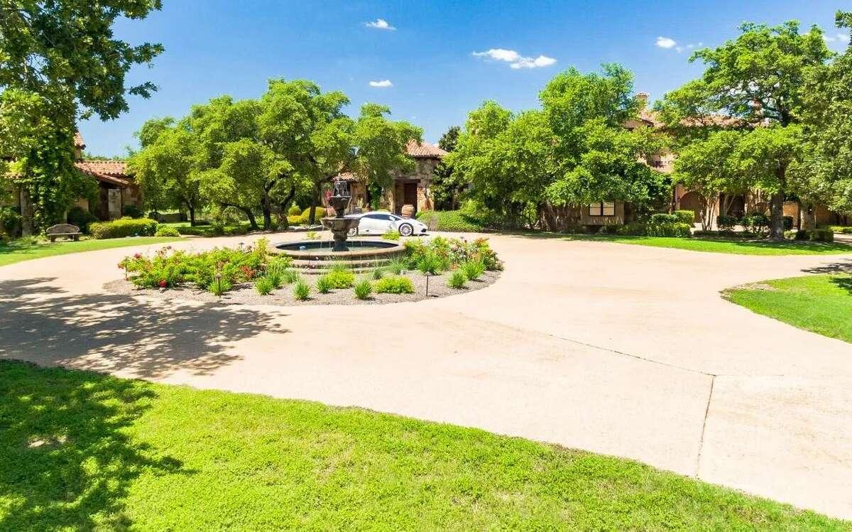Aerosmith drummer Joey Kramer is listing his Georgetown, Texas home.