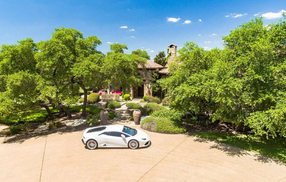Aerosmith drummer Joey Kramer is listing his Georgetown, Texas home. Photo: Gary Gibich/The Winnett Group