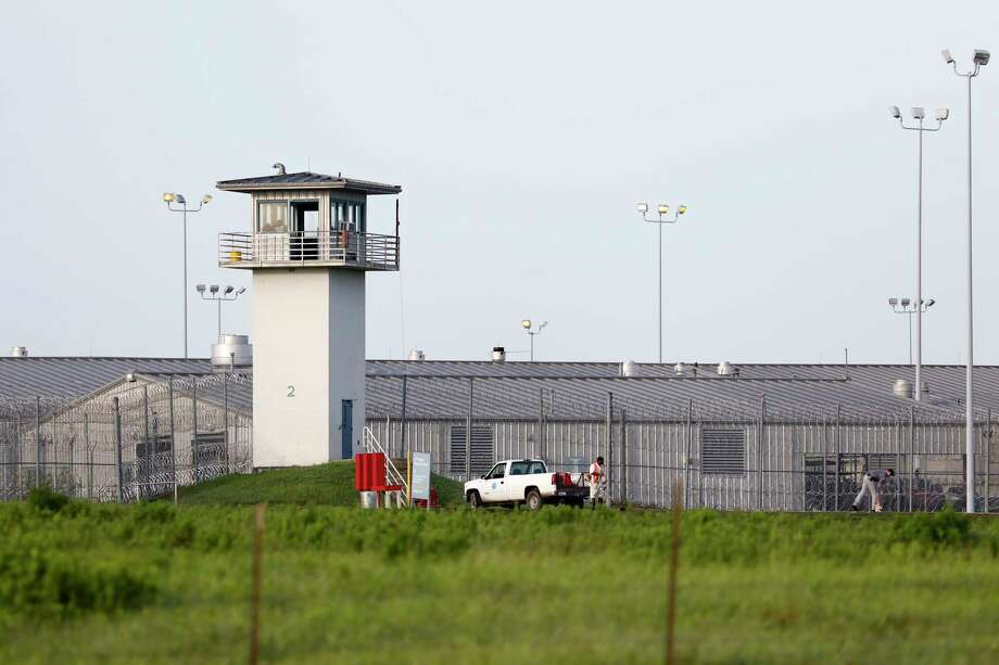 The success of criminal justice reform is in jeopardy as Texas lawmakers consider cuts to adult probation budgets. Photo: Rose Baca, MBR / The Dallas Morning News