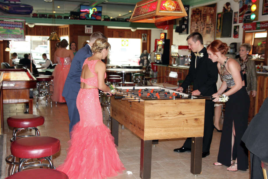 The 2017 North Huron Prom was held at The Ballroom in Kinde. Photo: Bradley Massman/Huron Daily Tribune