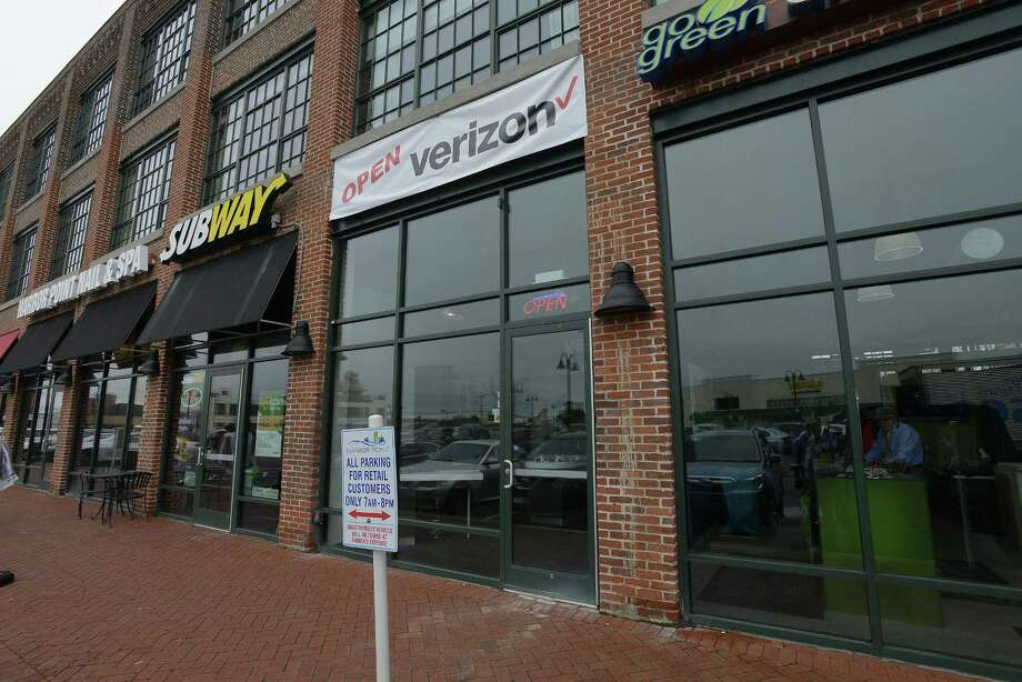The exterior of the new Verizon Wireless store, at 711 Canal St., in the South End of Stamford, Conn. on Wednesday, April 26, 2017. Photo: Matthew Brown / Hearst Connecticut Media / Stamford Advocate