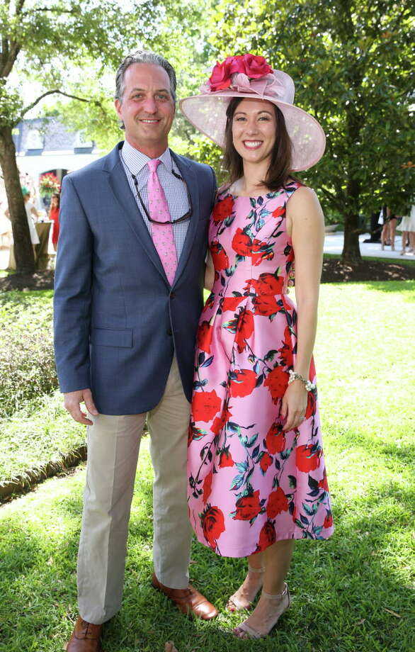 VIP view: Judging a Kentucky Derby best dressed contest at ...
