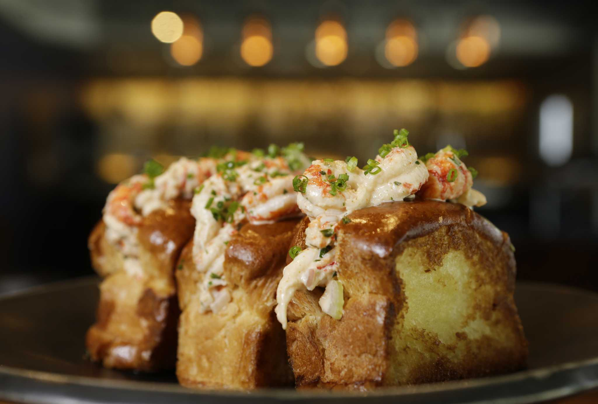 Houston restaurants see evolution in bar food menus for Snack bar cuisine