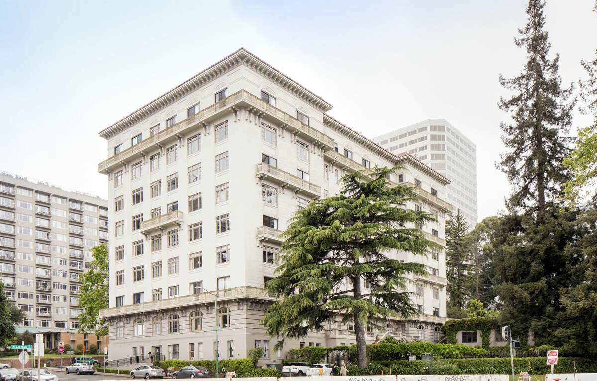 A Penthouse apartment in the 1924 Beaux Arts Regillus building offers three bedrooms, Lake Merritt views and loads of swank.