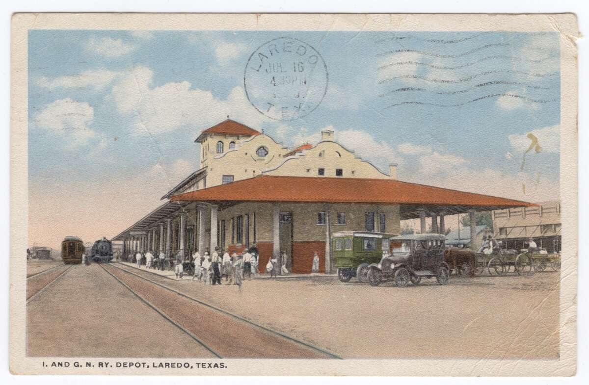 The '20s:The International and great Northern Railway Depot is shown.