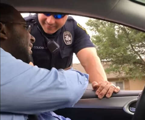 Cops help announce Texas mom's pregnancy to husband in viral