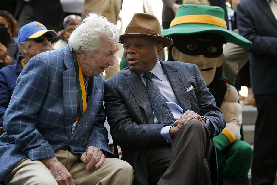 Ex-S.F. Mayor Willie Brown (right) knows whom the president fears. Photo: Santiago Mejia, The Chronicle