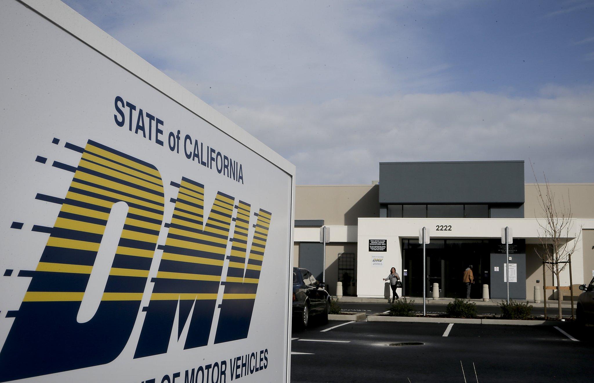 California DMV accused of violating federal voter registration law