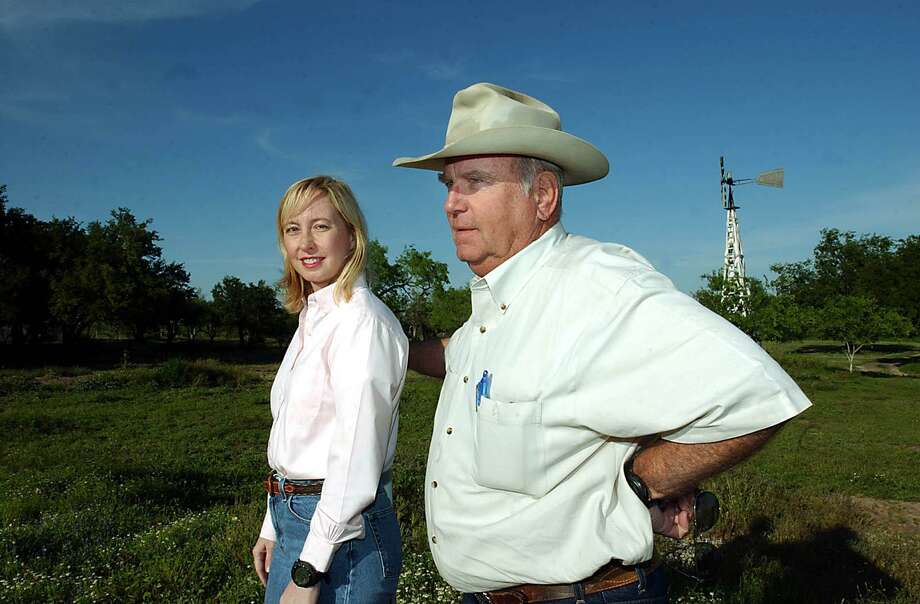 Mary Margret Amberson is seen at the McAllen Ranch with her father, Jim McAllen, a seventh- generation descendant of Don Jose Manuel Gomez. Photo: San Antonio Express-News / File Photo / SAN ANTONIO EXPRESS NEWS