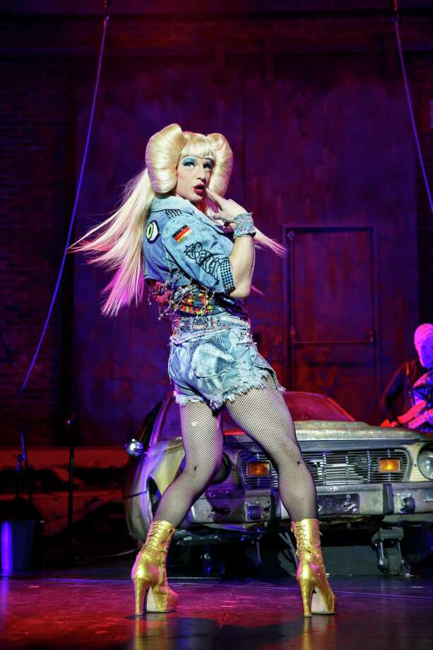 Fans & Friends Welcome Darren Criss Back to Broadway in Hedwig and the Angry  Inch