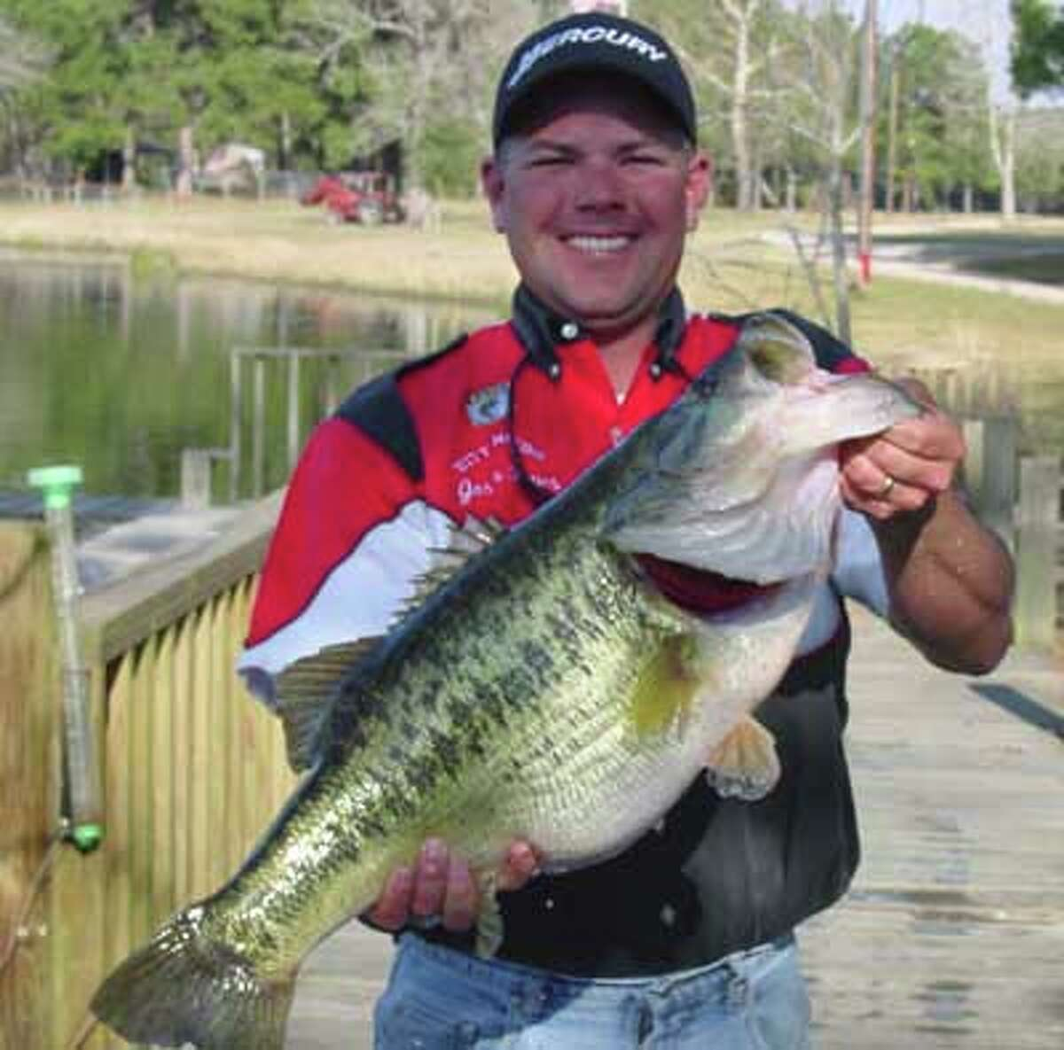 Date: February 19, 2004 in Private Lake - Quantum Lakes Weight: 15.1 pounds Bait/Lure: Lucky Craft LVR 10 lipless crankbait Day of week: Thursday