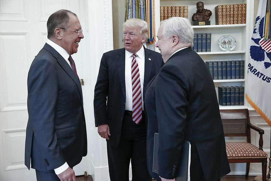 U.S. President Donald Trump meets with Russian Foreign Minister Sergey Lavrov, left, next to Russian Ambassador to the U.S. Sergei Kislyak at the White House in Washington, Wednesday, May 10, 2017. Trump on Wednesday welcomed Vladimir Putin's top diplomat to the White House for Trump's highest level face-to-face contact with a Russian government official since he took office in January. Photo: Russian Foreign Ministry