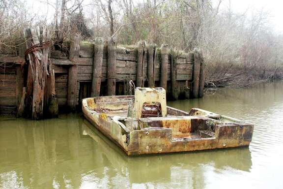 The Texas Legislature is poised to approve a bill streamlining legal procedures used by the General Land Office's program for removing abandoned vessels fouling state waters.