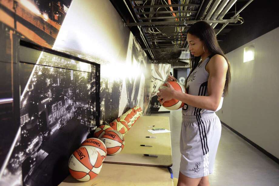 """Isabelle Harrison had 22 points and seven rebounds in the pre season finale. """"I just worked hard for where I'm at,"""" she said. Photo: Billy Calzada / San Antonio Express-News / San Antonio Express-News"""