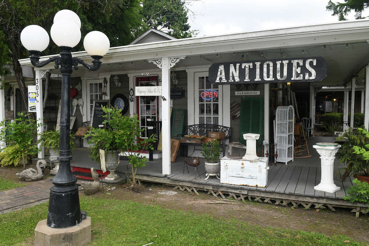 Whispering Willow Gifts and Antiques, on Market St. in Tomball, is a collecter's sanctuary. (Photo by Jerry Baker)