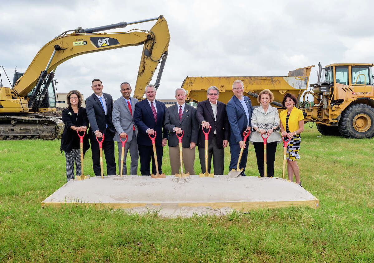 Tool-Flo Manufacturing and leaders from the city of Pearland and the Pearland Economic Development Corp. held a groundbreaking ceremony on May 9th for Tool-Flo's new headquarters, training and manufacturing facility in Pearland's Lower Kirby District.