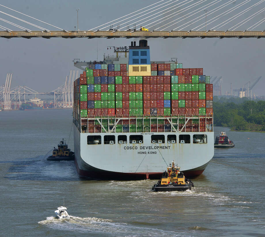 The COSCO Development is guided under the Talmadge Bridge. Photo: Steve Bisson, MBI / Savannah Morning News