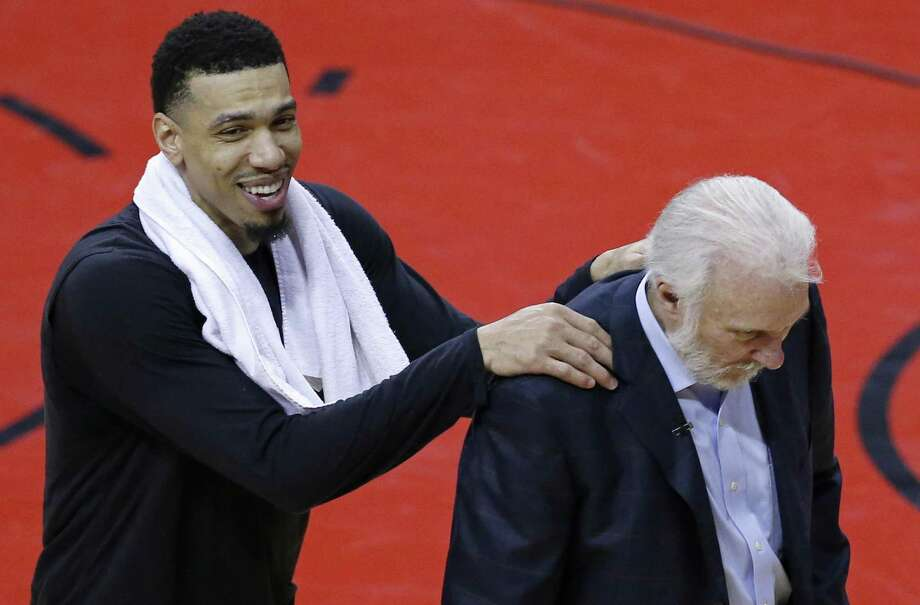 Danny Green, Gregg Popovich and the Spurs will face the Warriors in the Western Conference Finals. Photo: Edward A. Ornelas / San Antonio Express-News / © 2017 San Antonio Express-News
