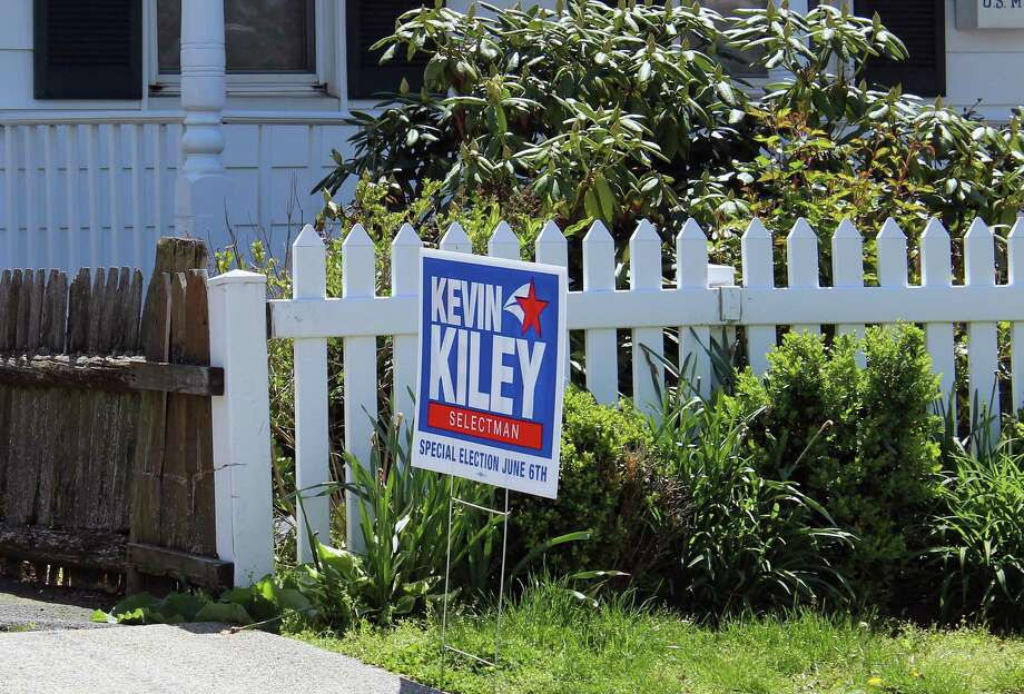 Former Selectman Kevin Kiley, the Democratic candidate in a June 6 special election, is actively campaigning even thought the election's status is still up in the air. Photo: Genevieve Reilly / Hearst Connecticut Media / Fairfield Citizen