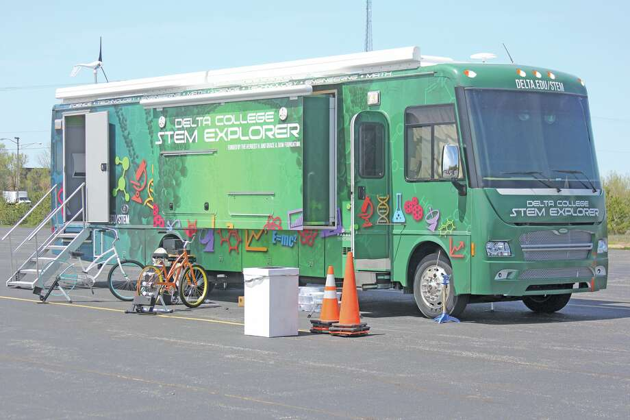 The STEM Explorer Bus from Delta College parked at the DTE Energy Huron Renewable Energy Center facility in Bad Axe so students could engage in a variety of STEM (science, technology, engineering and mathematics) tasks. Photo: Seth Stapleton/Huron Daily Tribune