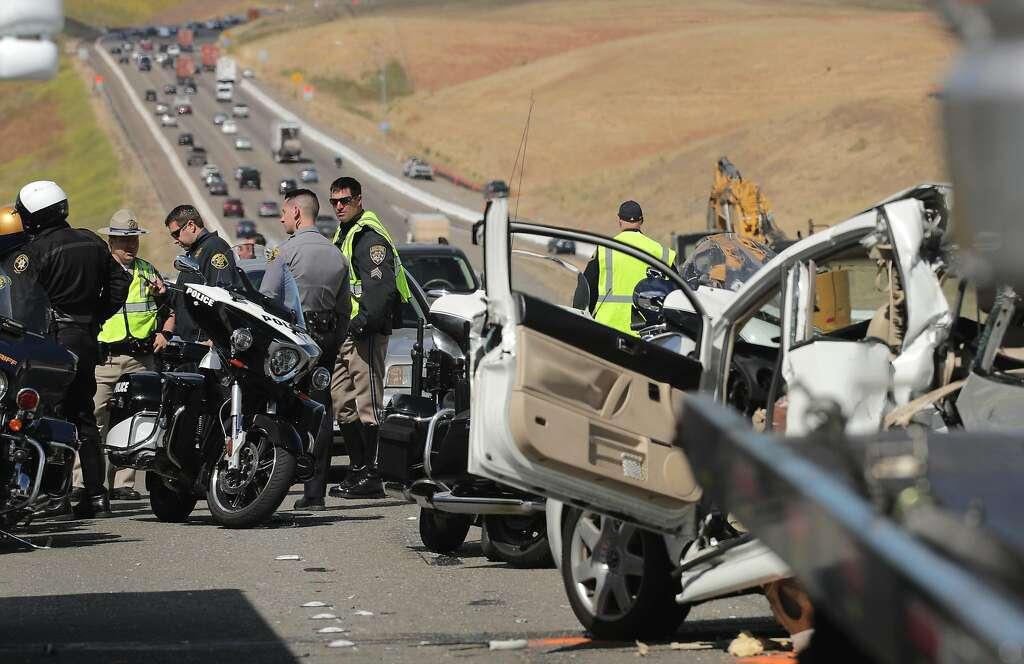 Bus crash on I-580 kills off-duty sheriff's deputy - Houston Chronicle