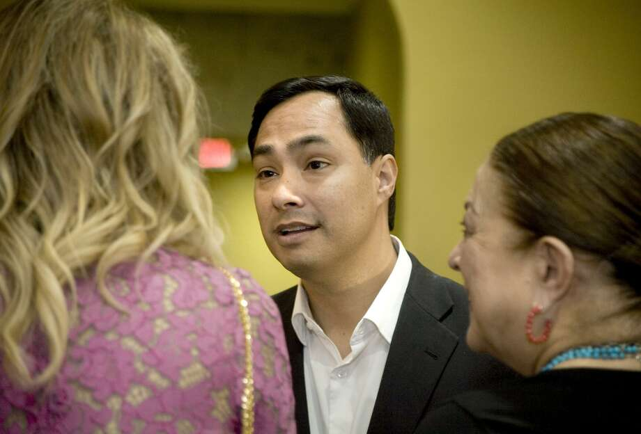 U.S. Rep. Joaquin Castro interacts with attendees at a meet-and-greet event at La Posada Hotel on April 18. He had been mulling a Senate race against Sen. Ted Cruz, who has lost much of his luster, but chose not to run. Photo: Francisco Vera /Laredo Morning Times / Laredo Morning Times