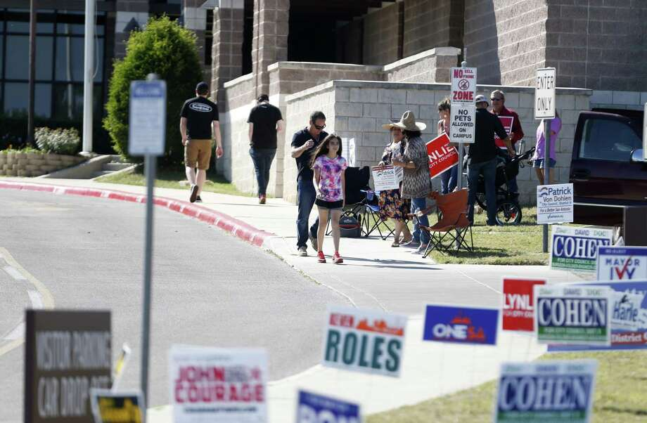 San Antonio voters head to the polls at Huebner Elementary School in the recent election. A reader has a suggestion to simplify the vote and avoid runoffs. Photo: Ron Cortes /Ronald Cortes / Freelance