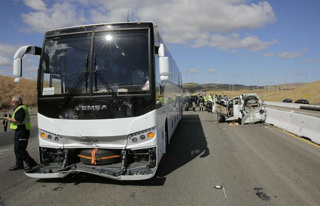 Bus crash on I-580 kills off-duty sheriff's deputy - Houston Chronicle