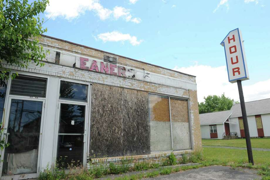 The state Department of Environmental Conservation is proposing a pollution cleanup plan for the former Damshire Cleaners at 1205 Central Avenue. The property has is an underground plume of a carcinogenic dry cleaning chemical. Photo: Michael P. Farrell / 40036924A