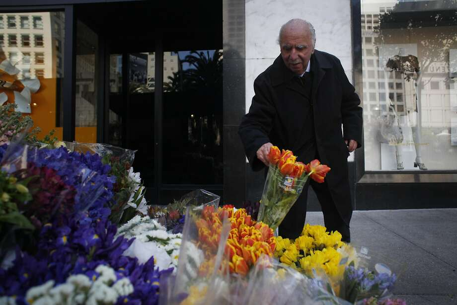 Al Nalbandian ran a flower stand at Stockton and Geary streets for more than 70 years. Photo: Mike Kepka, The Chronicle