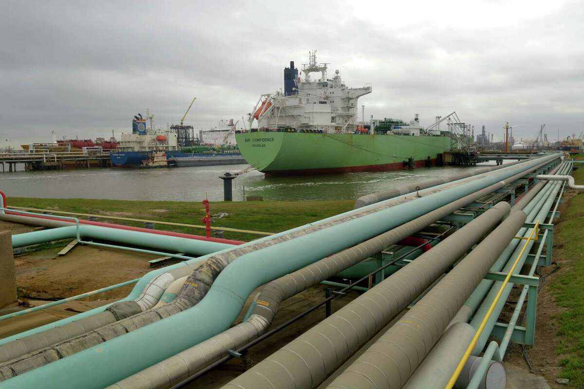 A vessel, right, is loaded with 500,000 barrels (22 million gallons) of propane at an Enterprise Products dock on the Houston Ship Channel on Feb. 10, 2017. (Photo by Jerry Baker/Freelance)