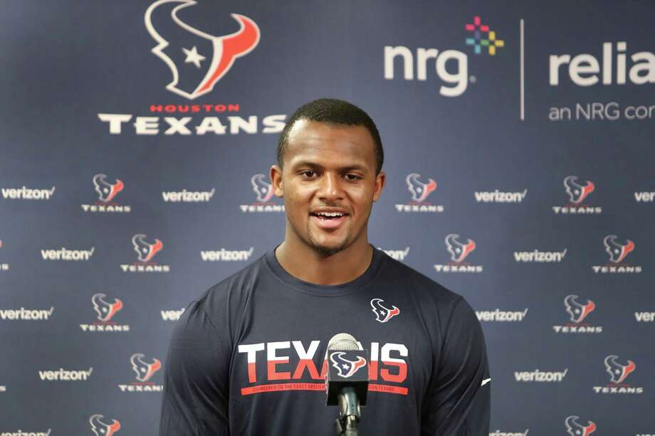 Deshaun Watson officially signs contract with Texans