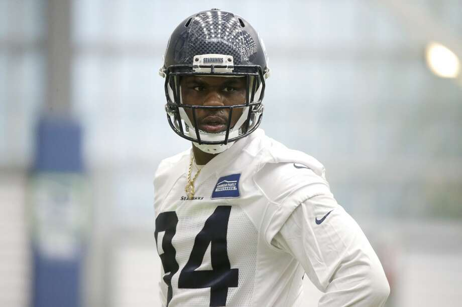 Defensive tackle Malik McDowell, the Seattle Seahawks' top draft pick, watches a drill during NFL football rookie minicamp, Friday, May 12, 2017, in Seattle. Photo: Ted S. Warren/AP