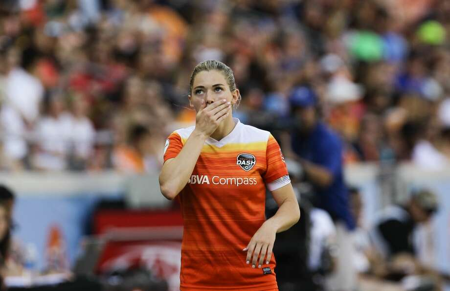 Houston Dash forward Kealia Ohai (7) reacts to losing the ball out-of-bound during the second half of the game at BBVA Compass Stadium Saturday, May 13, 2017, in Houston. Houston Dash lost to Sky Blue FC 3-1. ( Yi-Chin Lee / Houston Chronicle ) Photo: Yi-Chin Lee/Houston Chronicle