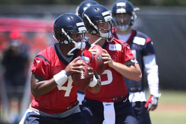 DeShaun Watson runs through drills during Texans rookie camp at NRG practice field   Saturday, May 13, 2017, in Houston. ( Steve Gonzales  / Houston Chronicle )