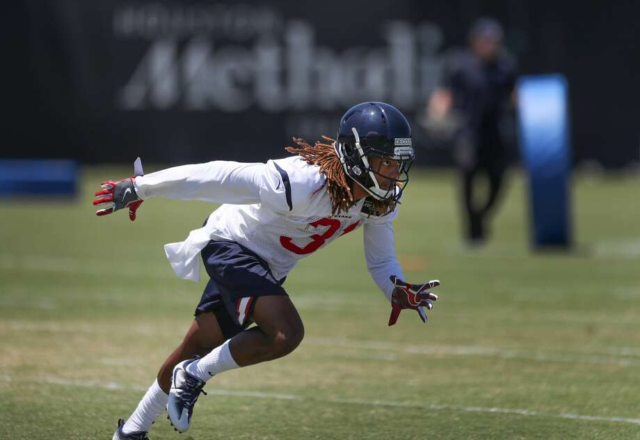 Treston Decoud runs through drills during Texans rookie camp at NRG practice field   Saturday, May 13, 2017, in Houston. ( Steve Gonzales  / Houston Chronicle ) Photo: Steve Gonzales/Houston Chronicle