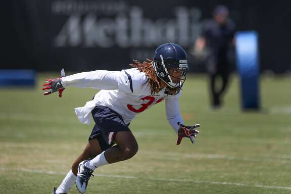 Treston Decoud runs through drills during Texans rookie camp at NRG practice field   Saturday, May 13, 2017, in Houston. ( Steve Gonzales  / Houston Chronicle )