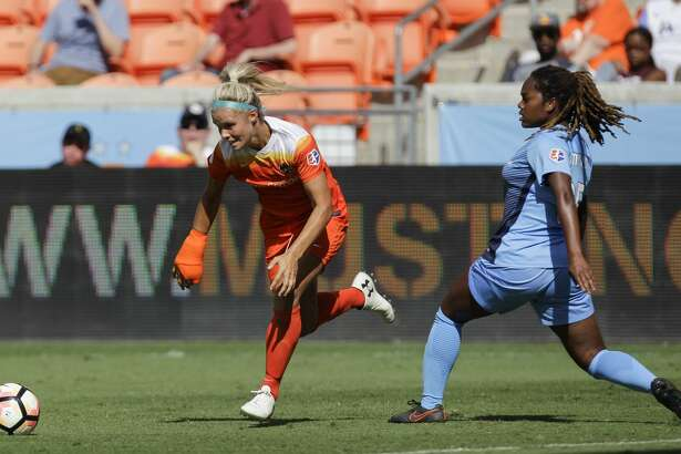 Houston Dash forward Rachel Daly (3) tries to get pass Sky Blue FC defender Kayla Mills (15) during the second half of the game at BBVA Compass Stadium Saturday, May 13, 2017, in Houston. Houston Dash lost to Sky Blue FC 3-1. ( Yi-Chin Lee / Houston Chronicle )