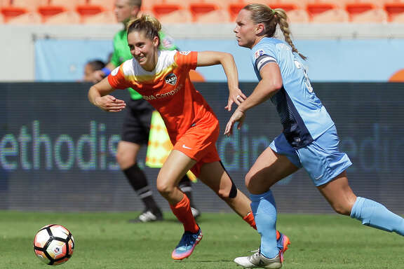 Houston Dash midfielder Morgan Brian (6) during the second half of the game at BBVA Compass Stadium Saturday, May 13, 2017, in Houston. Houston Dash lost to Sky Blue FC 3-1. ( Yi-Chin Lee / Houston Chronicle )