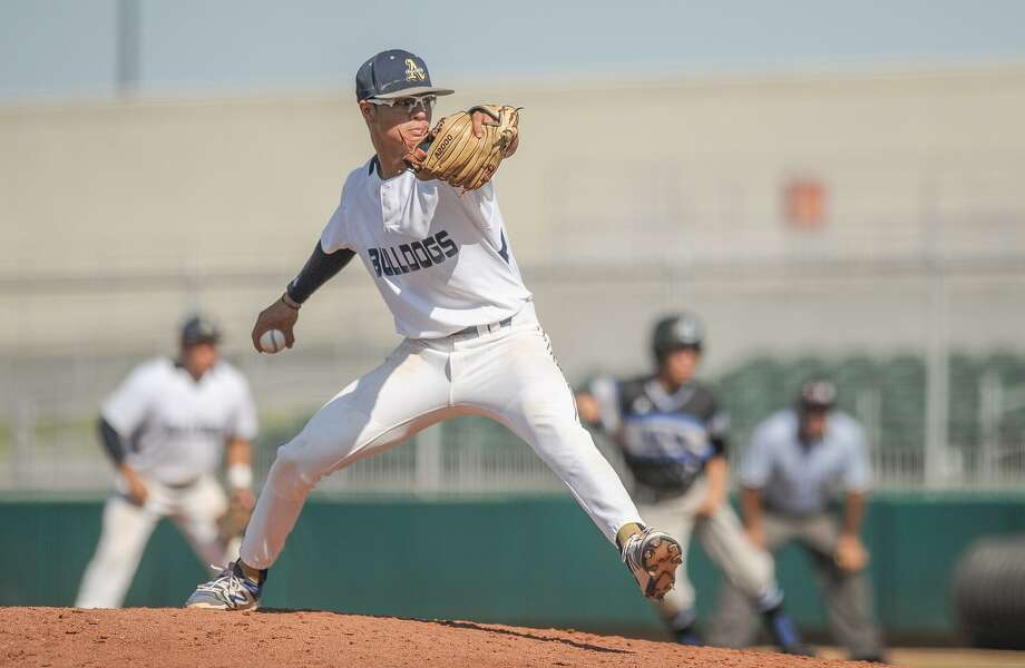 Marcelo Perez will start Game 1 on Thursday as Alexander faces San Antonio Reagan in the regional semifinals at 7:30 p.m. at Sinton High School. Photo: Danny Zaragoza /Laredo Morning Times File / Laredo Morning Times