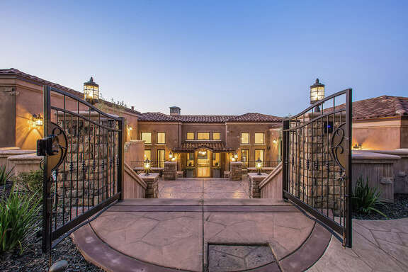 Golden State Warrior Stephen Curry and his wife, Ayesha, are selling their Mediterranean-style estate at 620 Sugarloaf Ct. in Walnut Creek, Calif., for $3.5 million.