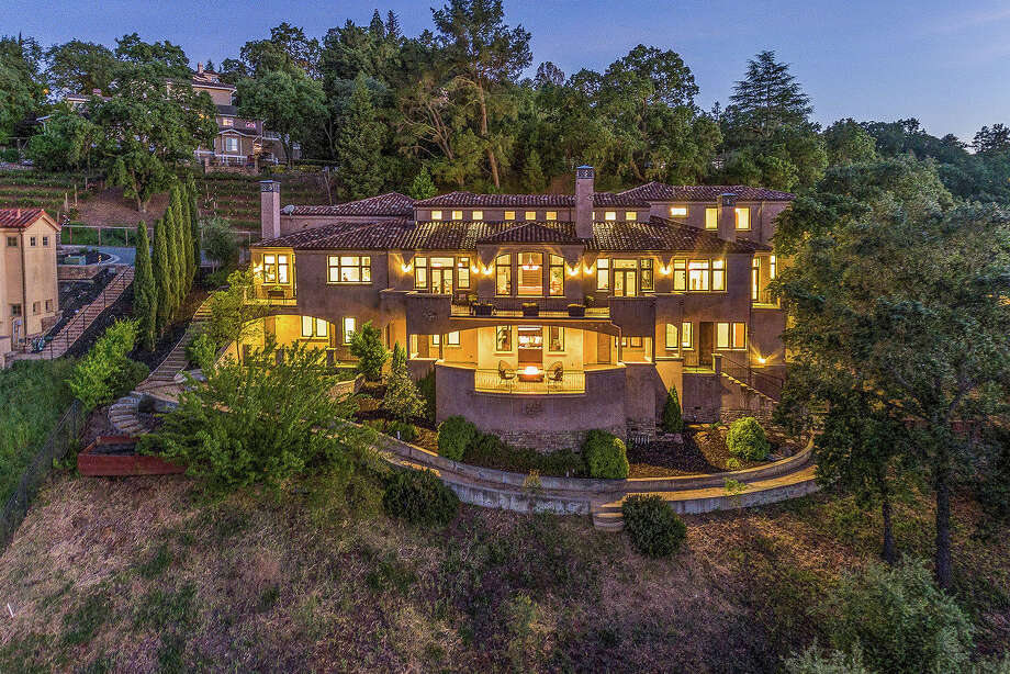Golden State Warrior Stephen Curry and his wife, Ayesha, are selling their Mediterranean-style estate at 620 Sugarloaf Ct. in Walnut Creek, Calif., for $3.5 million. Photo: Open Homes Photography