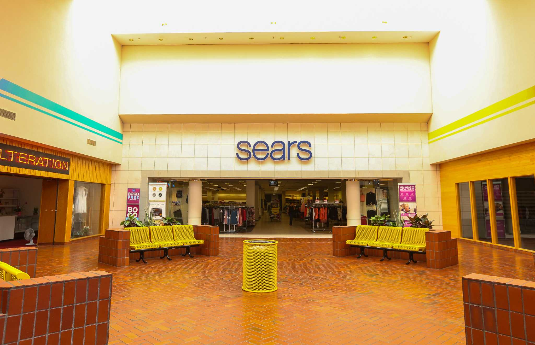 Sears to close San Jacinto Mall store