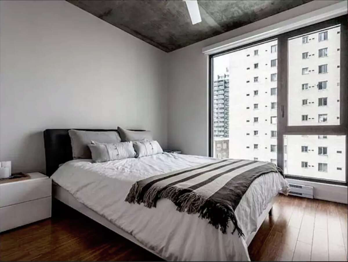 Montreal, QC, Canada. LUXURY & CLEAN Condo in an IDEAL location! Price: $53.
