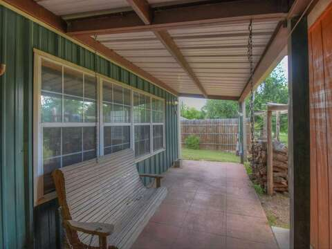Newly-converted Texas 'barndominiums' looking for buyers - Houston