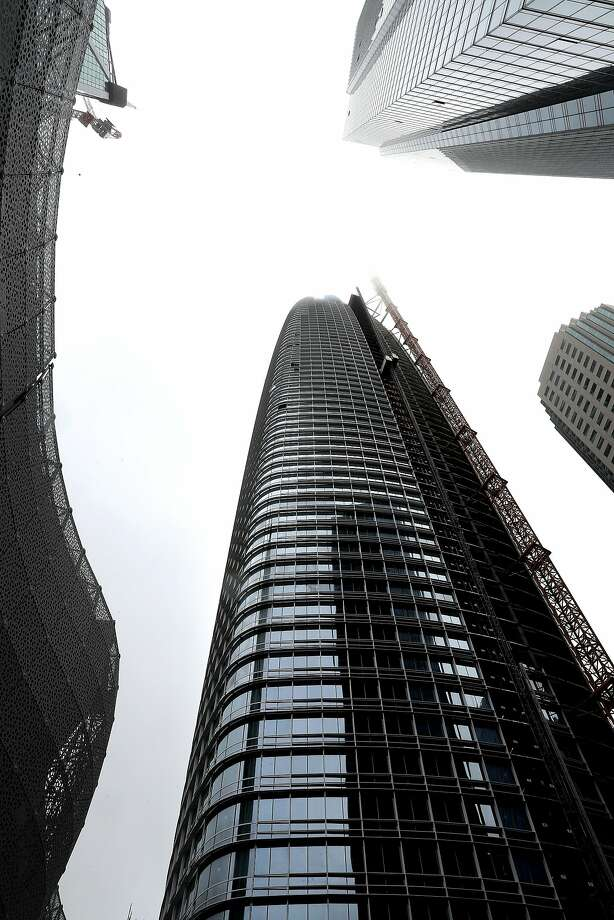 Salesforce Tower is 1,070 feet tall, but only 900 feet is inhabitable space. Photo: Michael Macor, The Chronicle